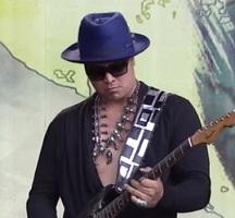 Eric-Zapata-King-guitar-blue-hat-750x421a